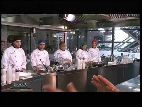La Scuola - Cucina di classe 1 - Tagliolini fritti e risottati con ...