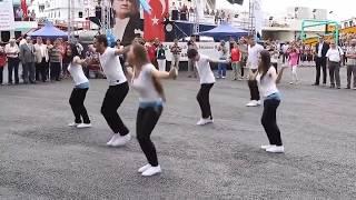 Jimmiki Kammal English Version l Entammede Jimikki Kammal Dance Russian Beauties