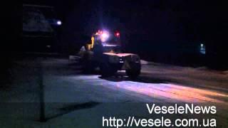 Трактор чистит дорогу в пгт Веселое(Трактор чистит дорогу в пгт Веселое., 2014-01-22T11:37:35.000Z)