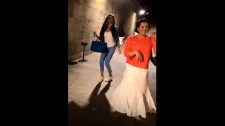 Ольга Бузова с мамой и бабушкой устроили танцы на набережной ))