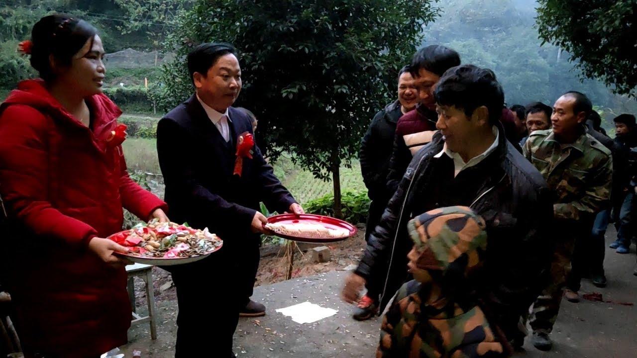 熱鬧!小舅結婚全村來喝喜酒,滿桌好菜秋子有口福了 - YouTube