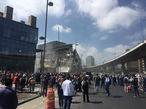 Derrumbe en plaza Artz Pedregal