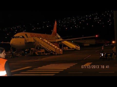 EASYJET AIRBUS A319 NIGTH LANDING IN LISBON AIRPORT