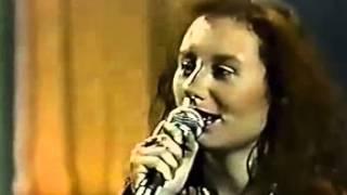 Tori Amos - Me and a Gun (1992)