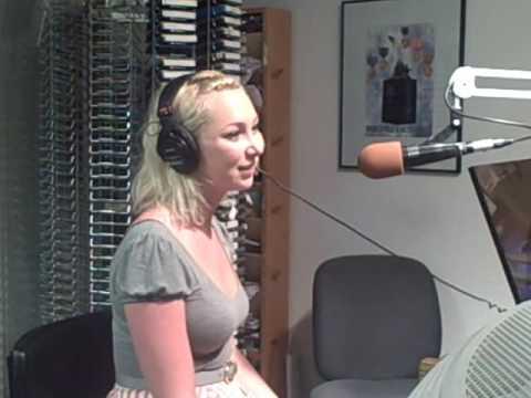 Victoria Hart visits WHLI Long Island 6-9-09