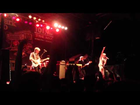 Neon Trees - In The Next Room - Jammin' at The Zoo Chicago, IL