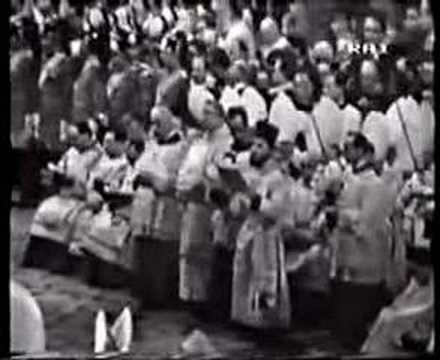 Papal Coronation 12 -Epistle and Gradual
