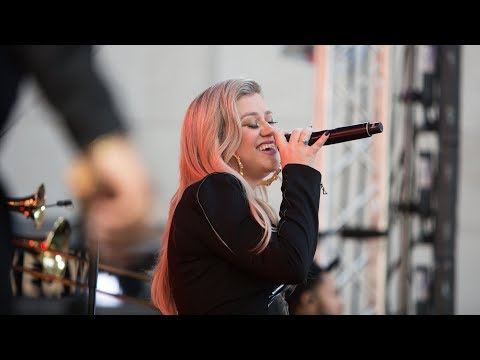Kelly Clarkson | The Today Show LIVE Set ('Miss Independent', 'Heat', & 'Stronger') June 2018