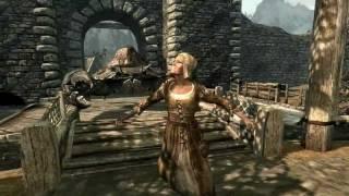 Giant Mudcrab attacks Whiterun - Skyrim