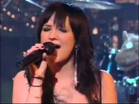 Ashlee Simpson Pieces Of Me live on David Letterman 2004