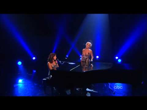 Sarah McLachlan & Pink - Angel (live @ American Music Awards) 2008 (aac5.1 720p).mkv