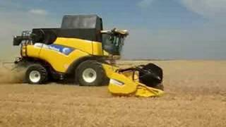 New Holland CR9090 Elevation launch