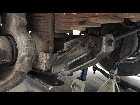 Broken Suspension Bracket Track Bar 1999 Ford F350 Youtube