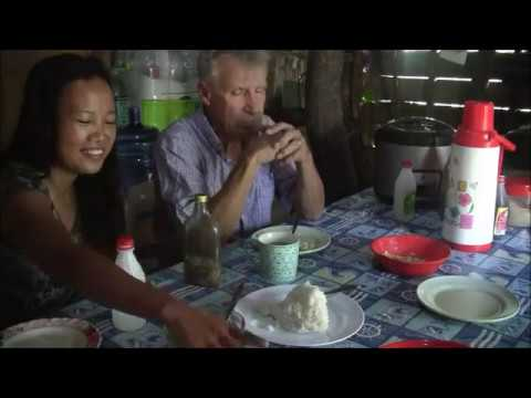 MOST BORING BREAKFAST IN THE PHILIPPINES WITH FILIPINA WIFE USING HAND