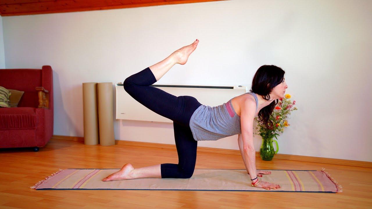 Nyári jóga - emésztést segítő gyakorlatok (Pitta kiegyenlítés) - YouTube ffa2b393f6