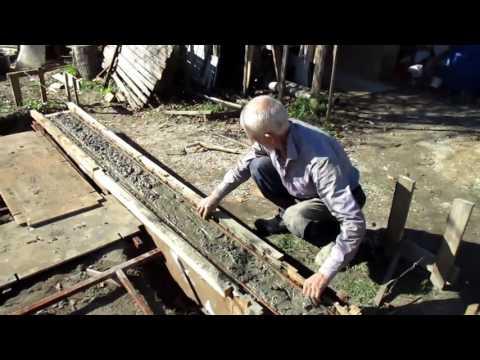 видео: ✔ Фундамент. Заливка фундамента своими руками  [Построить дом своими руками]