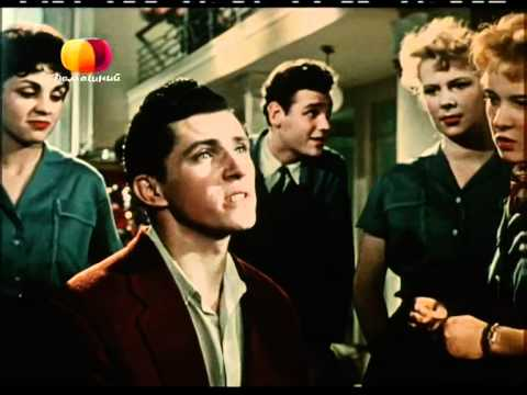 Девушка с гитарой (1958). Люся, Люся, я боюся...