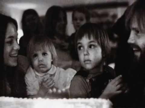 Angelina Jolie, Jon Voight & Marcheline Bertrand ♥