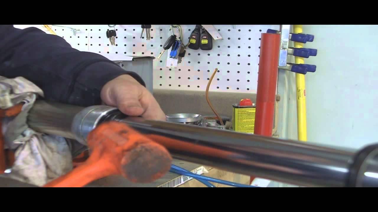 YZ125 Part 24: 2 Stroke Rebuidling Forks: Seals, Wipers, & Fluid