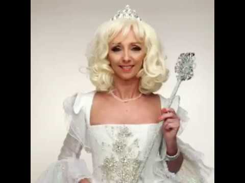 Debbie McGee joins the cast of Sleeping Beauty!