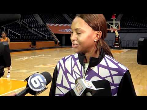 Tamika Catchings Visits Lady Vols