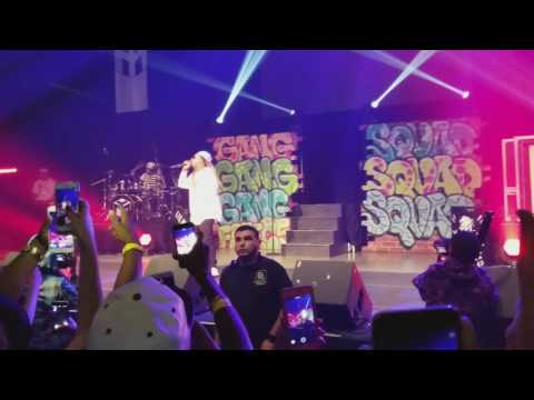 Lil Wayne performs Love Me (Good Kush and Alcohol ft. Future and Drake) in Dallas Kloser 2 U 2017