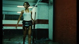 酣畅淋漓的复仇电影:女孩目睹父母被杀,长大后一人打翻整个黑帮