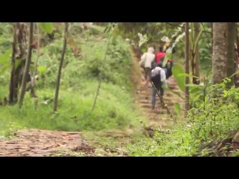 Intercultural Communication - Baduy Expedition [Documentary] by Team 6 UMN