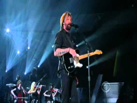 Ronnie Dunn - Bleed Red - Live at the 46th ACM Awards 2011