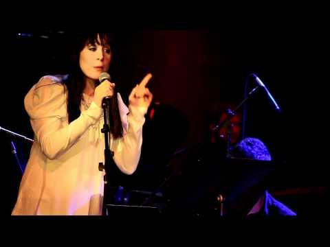 """""""I Am Yours"""" feat. Dee Roscioli (Written by: Jonathan Reid Gealt)"""