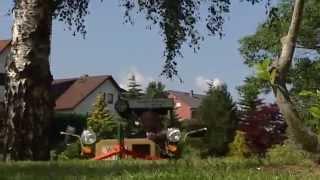 Unser Land Ein Traktor aus Trabbi Teilen