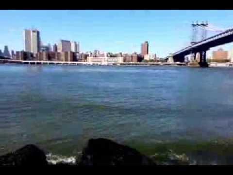 New York 2013 - beautiful view @ East River between Manhattan Bridge and Brooklyn Bridge