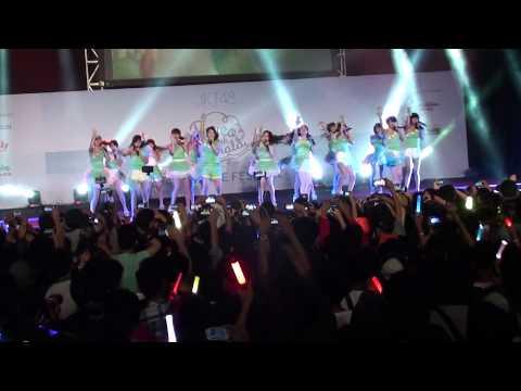 [FANCAM] JKT48 - Pareo Wa Emerald (Pareo adalah emerald)