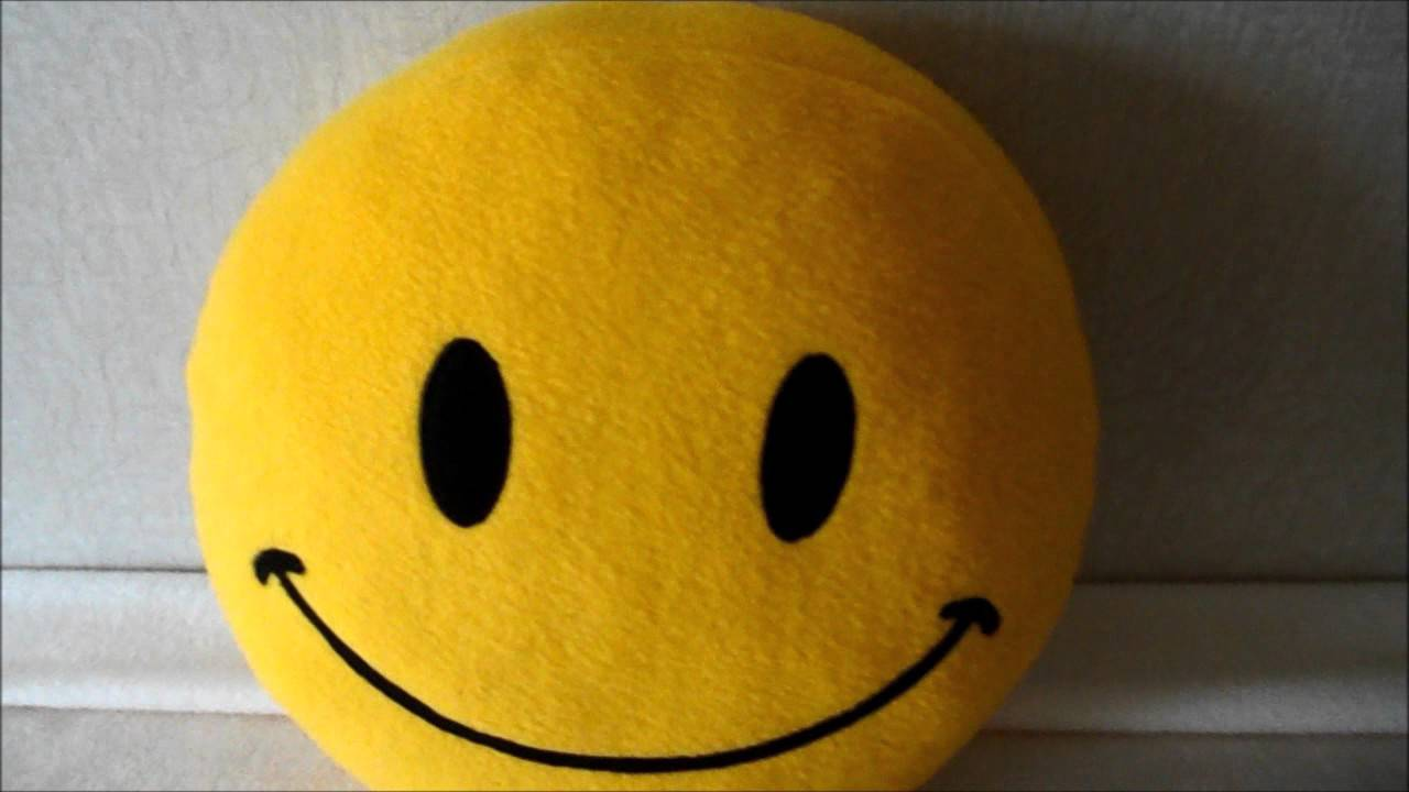 Classic smiley face pillow - photos & live video - YouTube