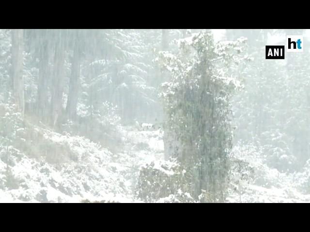 Jammu-Srinagar highway closed after heavy snowfall in the valley