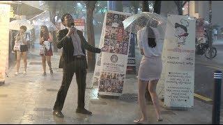 정신 나간 기자의 폭우 현장 중계 Crazy Reporter in A Heavy Rain (ENG CC)