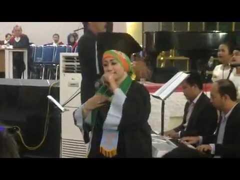 Wisuda USU Mona Sidabutar Silalahi - Tangiang Ni Dainang i