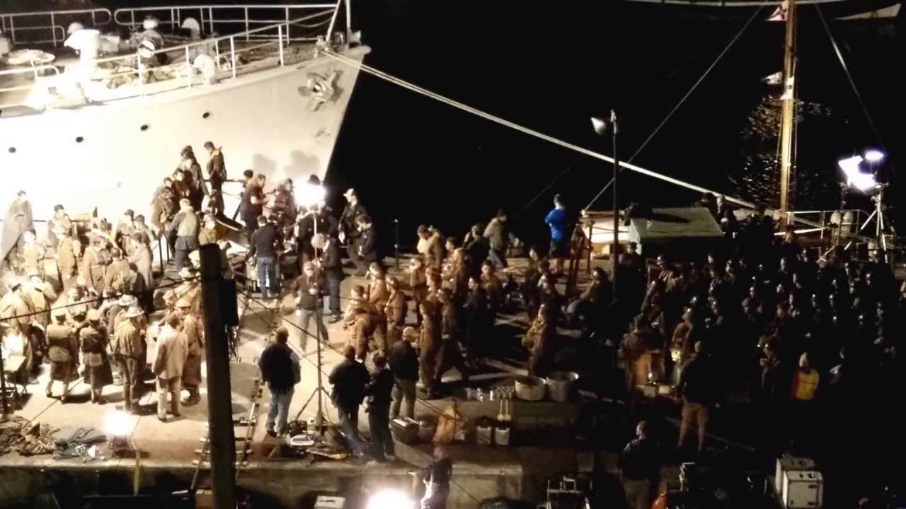 Dunkirk (2017 dir, Christopher Nolan)- Night shoot in Weymouth with Harry Styles and Cillian Murphy