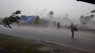 Video Angin Puting Beliung di banjar download MP3, 3GP, MP4, WEBM, AVI, FLV Januari 2018