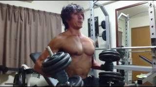 みんな大好き大胸筋と二頭筋トレーニング