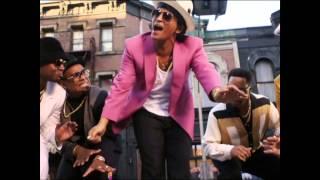 Bruno Mars vs Red Hot Chili Peppers - Uptown Aerofunk (Audio+Video Mashup)