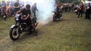 ИЖ Планета 5 против Honda - Залiзна мандрiвка 2013(г. Дубно, Украина)