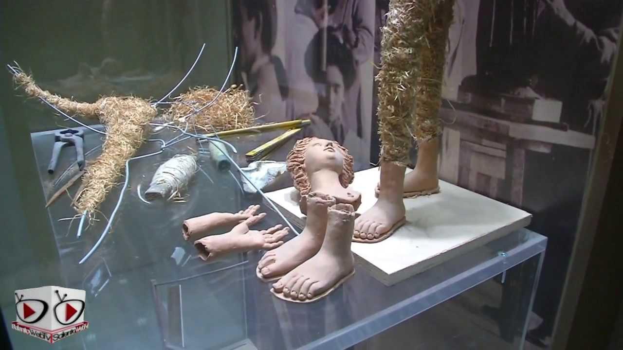 Lecce: nel Museo della Cartapesta, lantica arte salentina - YouTube