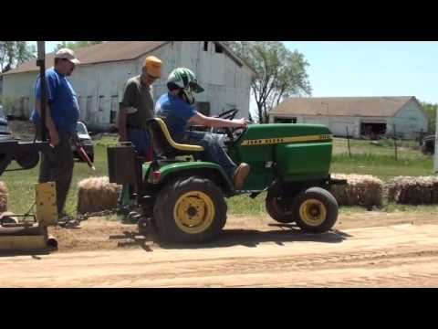 tractor pull john deere 300 youtube. Black Bedroom Furniture Sets. Home Design Ideas