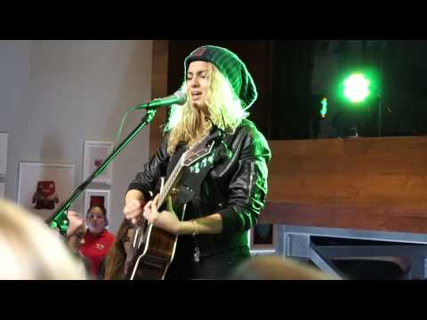 Tori Kelly -Unbreakable Smile - LIVE. Shot With Sony A5000