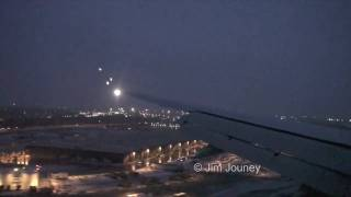 United Boeing 757 Landing Chicago ORD In Snow (Live ATC)