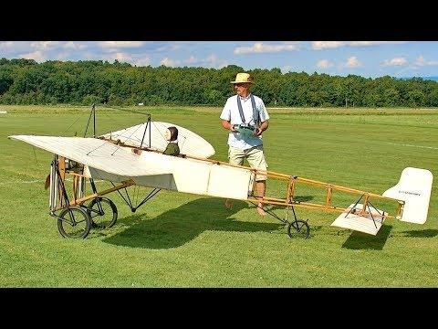 GIGANTIC RC XXXL BLÉRIOT XI SCALE MODEL AIRPLANE FLIGHT DEMONSTRATION