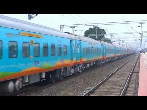Champaran Humsafar Express via Saharsa | Katihar To Old Delhi | हमसफ़र एक्सप्रेस First Inaugural Run