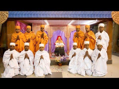 Guruhari Darshan 28 Jan 2015 - Pramukh Swami Maharaj's Vicharan