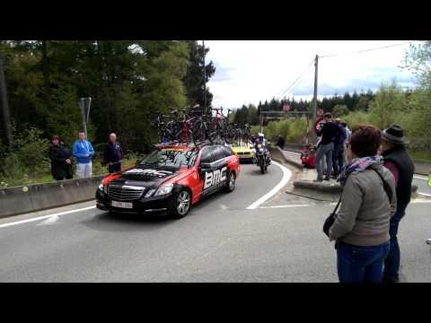 2014 Liège-Bastogne-Liège peloton over Haute Levee